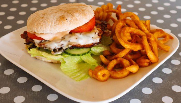 Chickenburger mit Twister